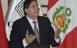 قبيل اعتقاله بتهم الفساد الرئيس سابق للبيرو يطلق النار على نفسه