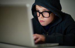 تمكن هؤلاء الهاكرز الصغار من تجاوز نظام التعرف على الوجه الخاص بحاسوب والدهم