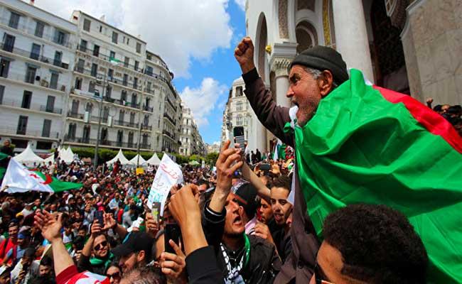 الجمعة التاسعة من الحراك : جمعة الصمود في وجه النظام و رموزه