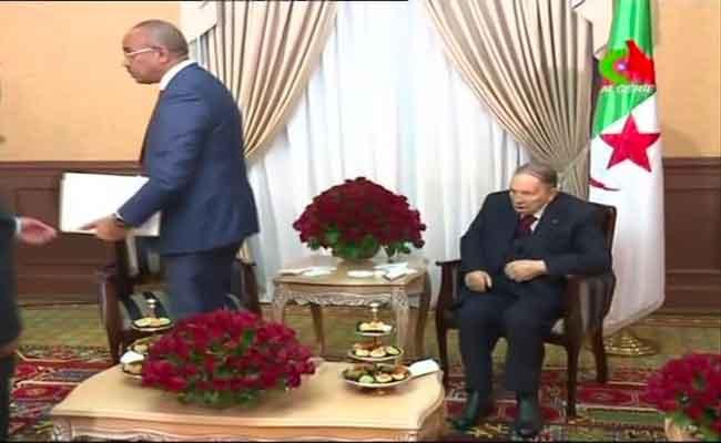 بوتفليقة يعين أعضاء حكومة بدوي
