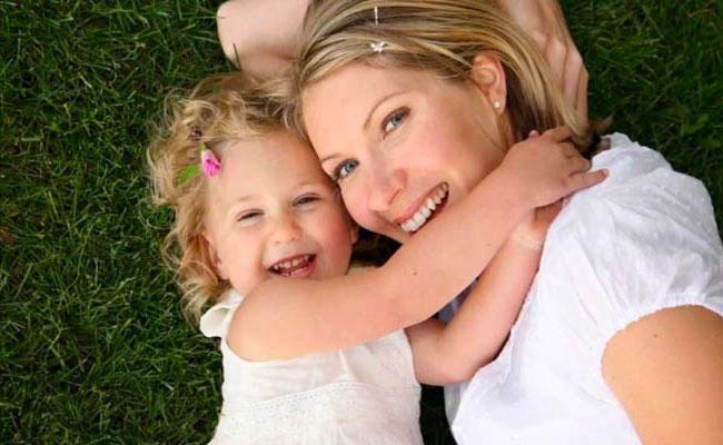 إليكم كيف يمكن أن يفيد الضحك صحة أطفالكم!
