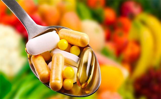5 فيتامينات ومعادن ينخفض مستواها مع التقدم في العمر