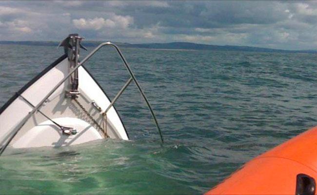 وفاة صياد و إنقاذ ثلاثة و فقدان آخر في حادث غرق سفينة بمسلمون بتيبازة