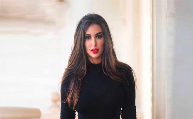 ياسمين صبري أول نجمة عربية تروج لمجوهرات