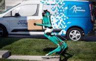 فورد تطور روبوتًا مع سيارة ذاتية القيادة لتسليم الطرود