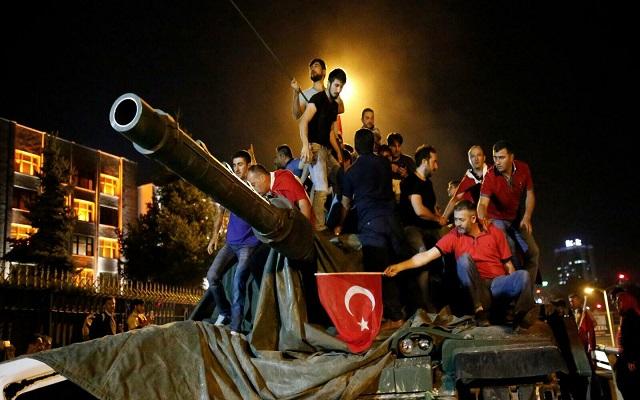 السجن مدى الحياة لقادة الانقلاب في تركيا