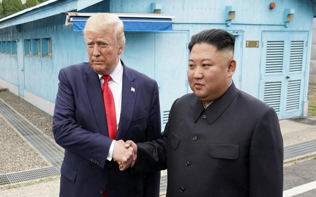 ترامب أول رئيس أمريكا يدخل كوريا الشمالية