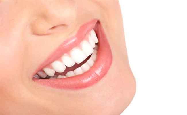 إليكم إيجابيات وسلبيات اللومينير قبل تطبيقها على اسنانكم...!