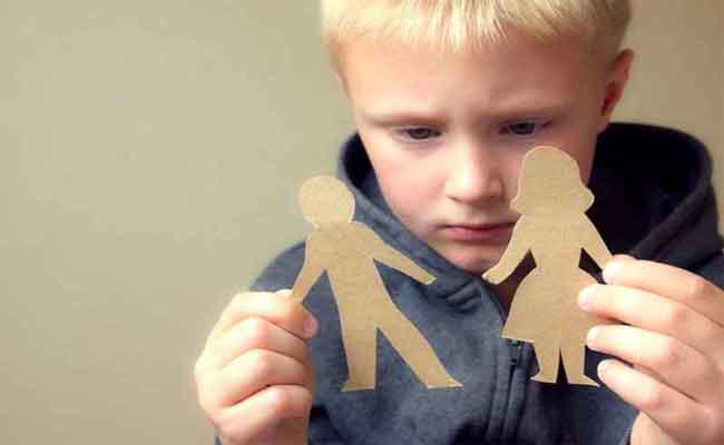 كيف تكون نفسية الطفل بعد زواج الأم...؟