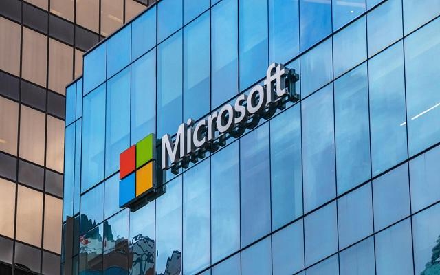 مايكروسوفت تفتتح أول مركزين للبيانات في الشرق الأوسط...