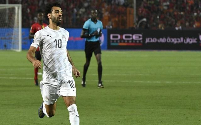 خطوة واحدة تفصل صلاح عن التتويج بجائزة أفضل لاعب في العالم...
