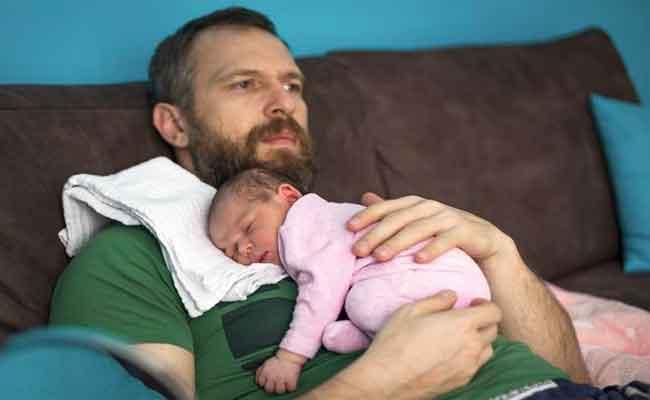 كيف يمكن ان تتغيّر نفسية الرجل بعد أن يصبح أباً...