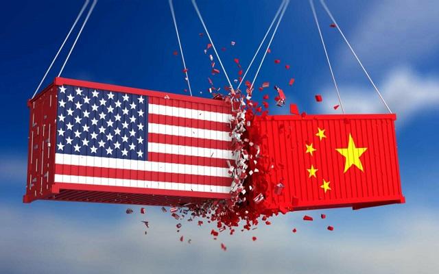 ترامب يأمر الشركات الأميركية بنقل مصانعها من الصين بعد رفعها الرسوم الجمركية