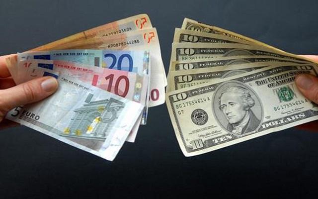 ترامب يوبخ البنك المركزي الأمريكي بسب يورو