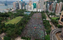 """مظاهرات """"سلمية"""" حاشدة مؤيدة للديمقراطية في هونغ كونغ"""