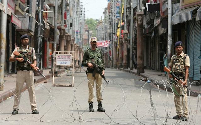 ناقوس الخطر قتلى في اشتباكات بين الجيشين الهندي والباكستاني