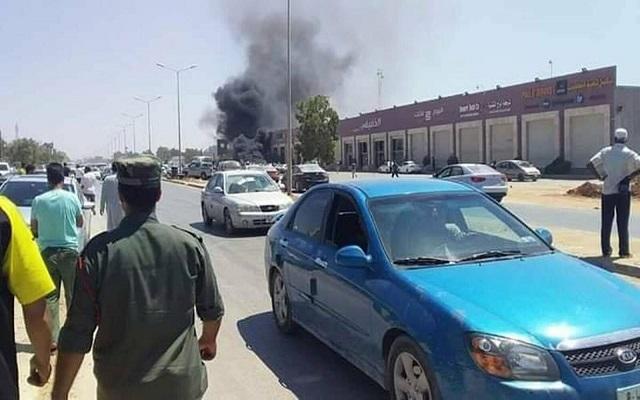 قتيلان بتفجير سيارة للأمم المتحدة وحفتر يعلن الهدنة خلال العيد