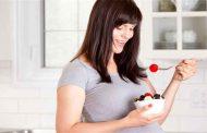 كيف يمكن للتوت أن يعزز صحّة الحامل والجنين...؟