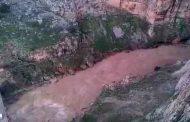 فيضانات وادي الرمال بقسنطينة تجرف خمسينيا مازال مفقودا