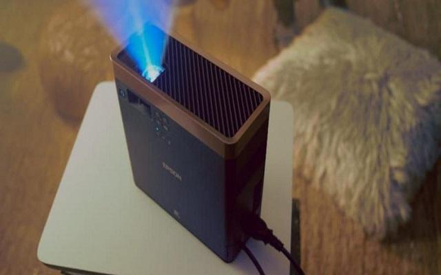 أصغر جهاز عرض ليزر بتقنية 3LCD  في العالم...