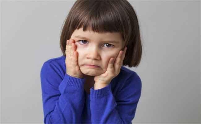 إذا كان طفلكم يعاني من الإحباط... هذا ما يجب أن تعرفوه عن حالته...