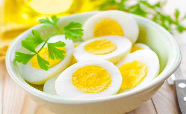 هل يؤدّي تناول البيض إلى ارتفاع ضغط الدم...؟