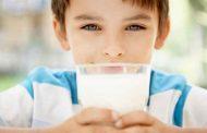 حيل ذكية لتشجيع الطفل على شرب الحليب...