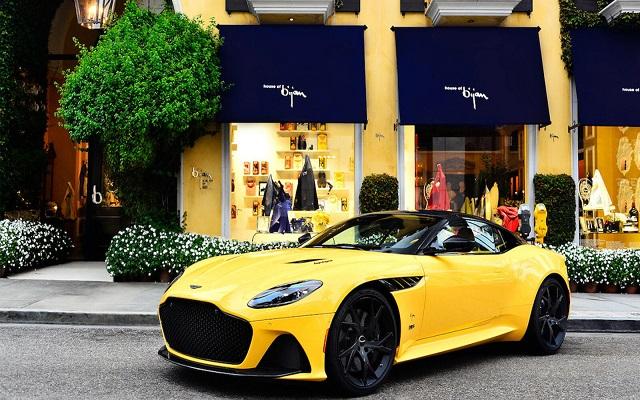 Aston Martin الجديدة...