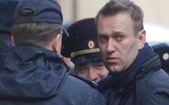 في روسيا بوتين لا مجال للمعارضة لكي تتنفس