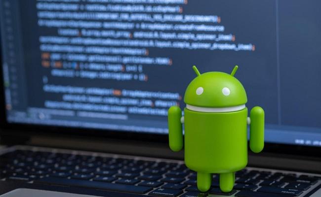 """ثغرة أمنية  خطيرة في """"Android"""" تسمح بالتجسس على المستخدمين من خلال كاميرا الهاتف..."""