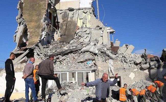 حداد على ضحايا زلزال ألبانيا