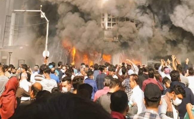 نظام الملالي الإيراني يقتل 145 مدنيا خلال الاحتجاجات