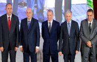 المترشحون الخمسة في خامس يوم من الحملة يعدون بـ