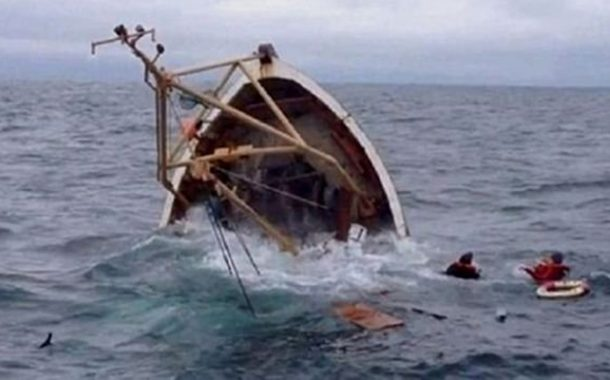 الحماية المدنية تنقذ 15 صيادا من موت محقق بعد غرق سفينتهم ببومرداس