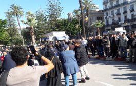 الأمن يوقف محتجين رافضين للإنتخابات الرئاسية بعنابة