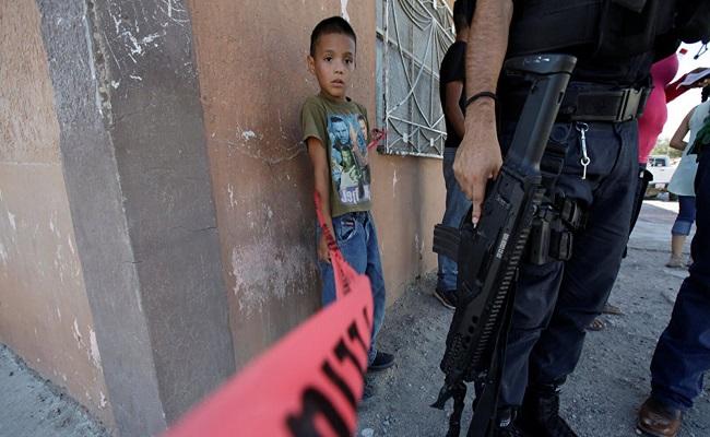المافيا / قرب القصر الرئاسي بالمكسيك مقتل 4 أشخاص بإطلاق نار