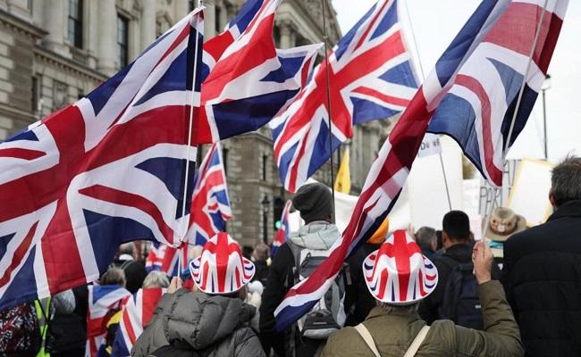 هل سيفوز المحافظين في بريطانيا...