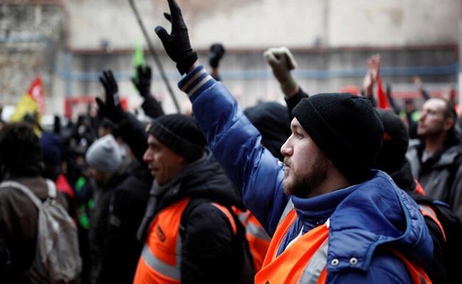 تصاعد الإضراب في فرنسا
