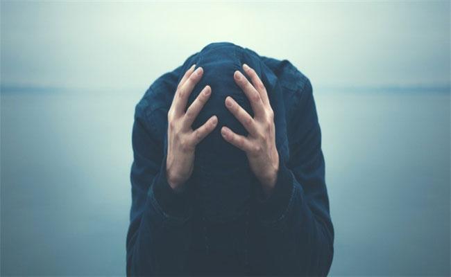 اضطراب القلق النفسي حالة تهدّد حياتكم... فما علاجها...؟