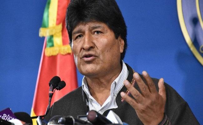 رئيس البوليفي السابق والمتهم بالفساد يدعو إلى حرب أهلية