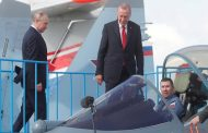 تركيا تهدد بالتصعيد وموسكو تحذرها