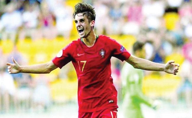برشلونة يريد كريستيانو رونالدو الجديد...
