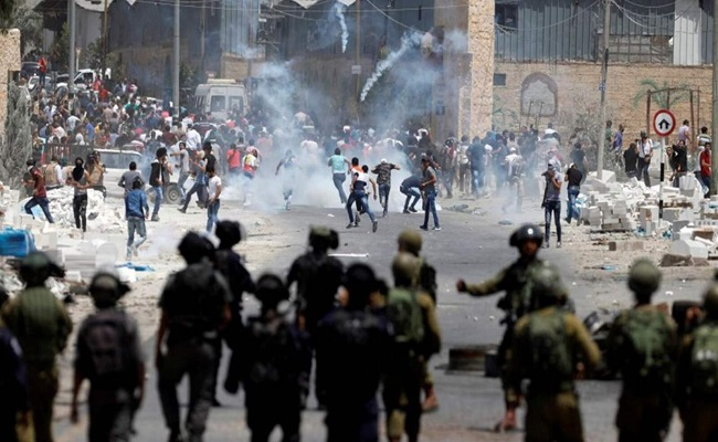 إصابة عشرات الفلسطينيين بعد صلاة الجمعة