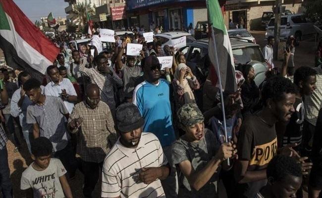 مواجهات بين الأمن والمتظاهرين في السودان بسبب الخبز والوقود