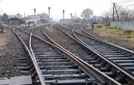 تسرب 73 ألف لتر من المازوت في حادث انحراف قطار بقسنطينة