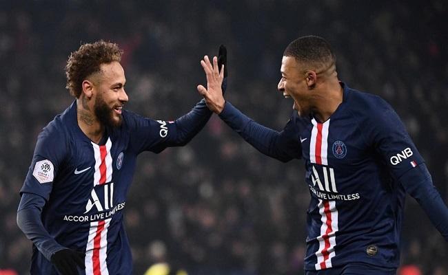 باريس سان جيرمان سيخفض أجور لاعبيه...