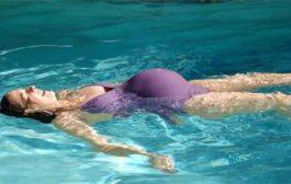 احواض السباحة...هل تهدّد صحة الحامل...؟