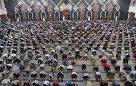 للمرة الأولى منذ شهرين إقامة صلاة الجمعة بمساجد جاكرتا