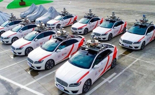 سيارات تاكسي من دون سائقين في شنغهاي...