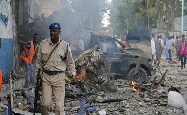 تفجير انتحاري أمام مسجد في الصومال
